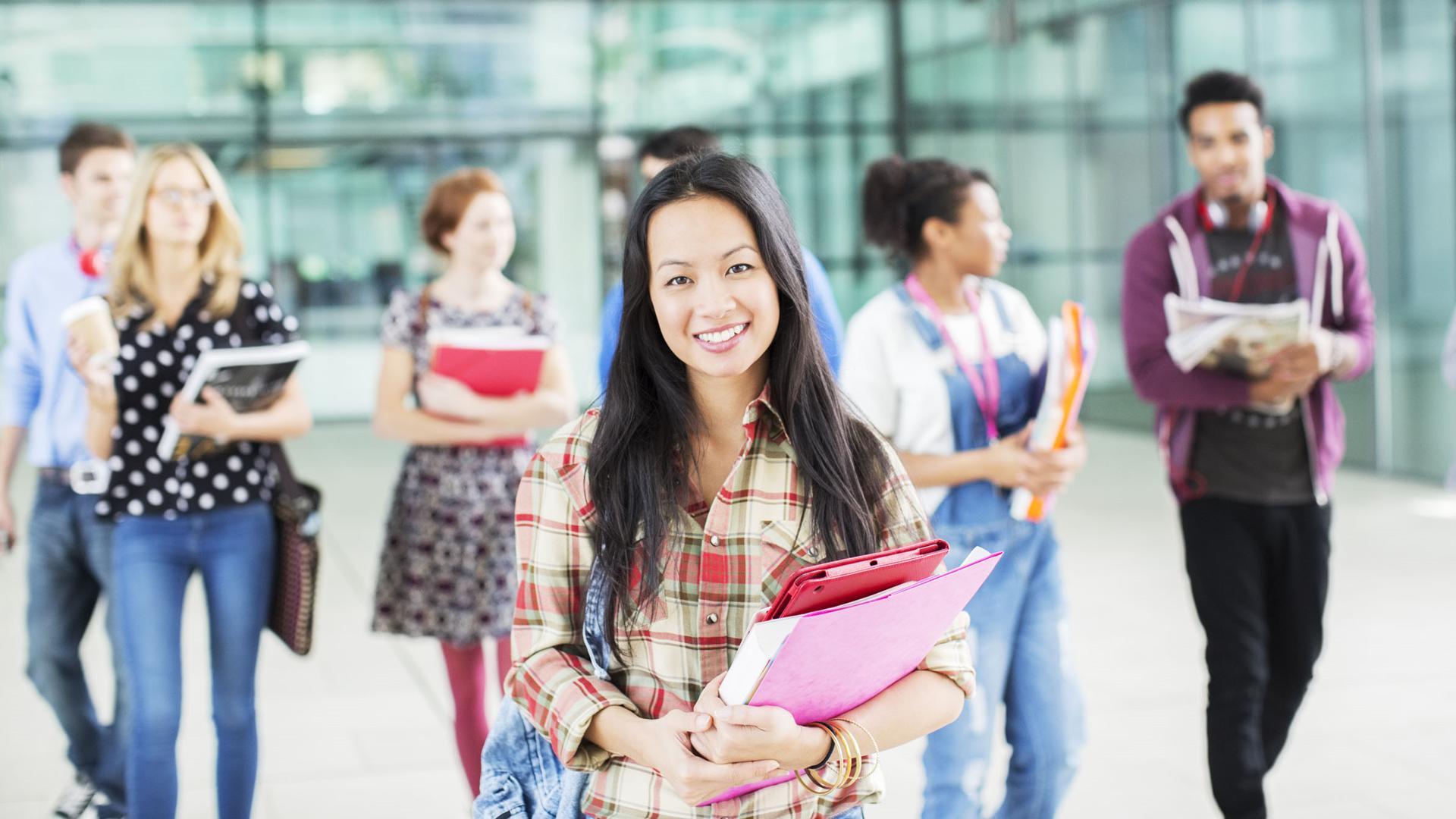 参加学生会和社团对以后的工作有帮助吗?