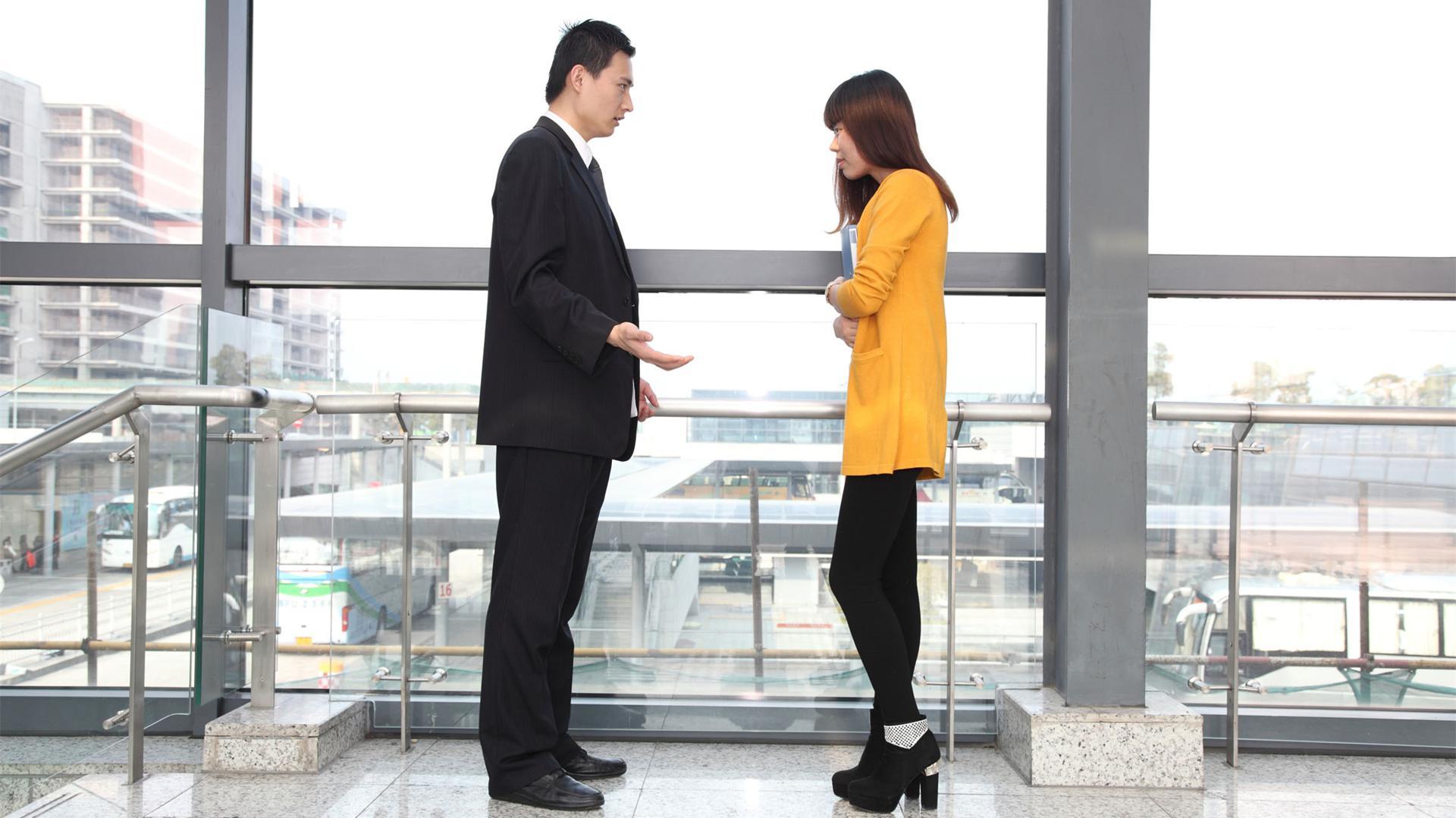 实习时在公司偶遇老板该怎么打招呼?